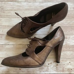 Stuart Weitzman Bronze Pointed Toe Oxford Heels